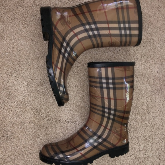 Size 9 Burberry Short Rain Boots | Poshmark